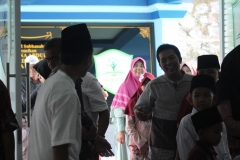 Orang Tua/Wali Santri Saat Memasuki Gedung SMP Aldepos Boarding School